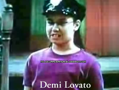 Who acts better in barney and friends, Demi lovato or selena gomez