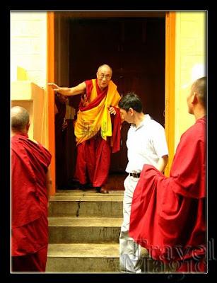 dalailama teaching photo tibet
