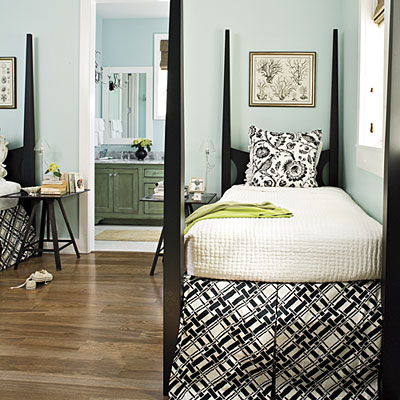 Guest Room on This Is A Guest Room From Southern Living  I Love The Plaid And The