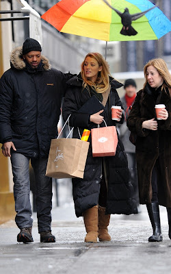 Blake Lively Shopping on Blake Lively Shopping In Between Work On  Gossip Girl
