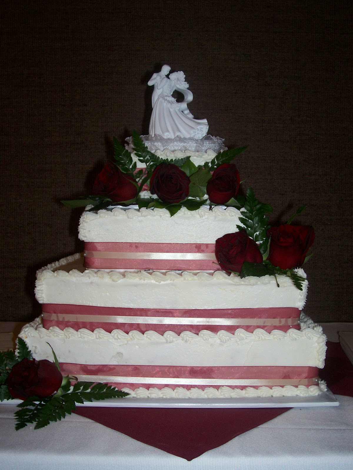 Sisters Sweets Just posted some more cake pictures