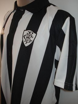 Este modelo foi lançado em 2007 e rende homenagem ao uniforme usado pelo  Botafogo ad73107712edd