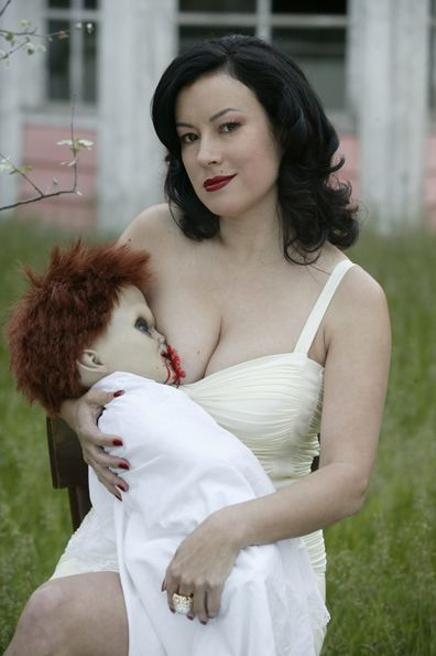jennifer tilly photo