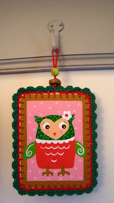 I made this little painting with a crochet border. I called her misses Owl. Hope you like her. Siem