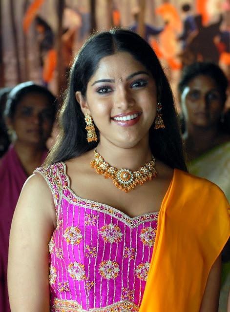http://4.bp.blogspot.com/_bIK8ugMI-WY/SKumH0az1aI/AAAAAAAAHYk/9NcrP51vCaQ/s400/Banu-actress-photos-004.jpg_600