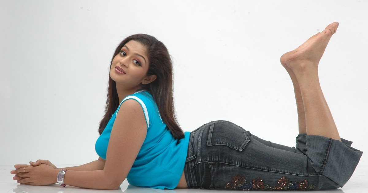 HOT AND SEXY PICTURES OF TAMIL TELUGU MALAYALAM AND KANNADA ACTRESS ...