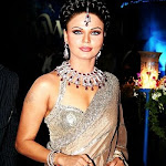 Rakhisawant Clevage Show In Saree