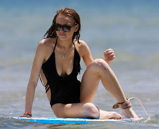 Ali and Lindsay Lohan hot surfing pictures from Hawaii