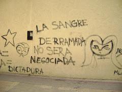 El grafiti de hoy: el repudio a la sangre derramada en el '76
