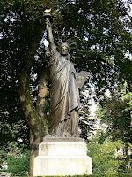 Jeudi 3 janvier 2008 - Jardin du luxembourg statue de la liberte ...