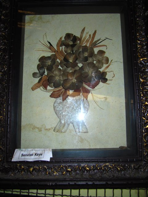 Bunga dari serutan Kayu