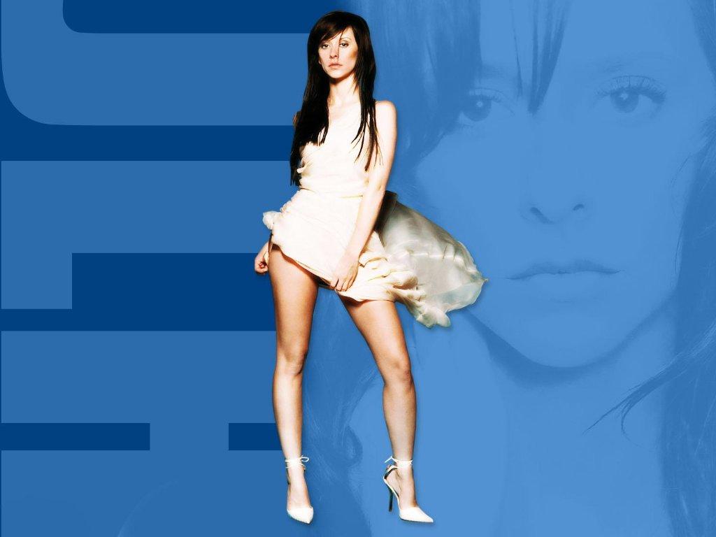 http://4.bp.blogspot.com/_bKlP91-VAMs/SxAcZF1VuhI/AAAAAAAADGU/zGRWAXFOROU/s1600/Jennifer+Love+Hewitt+Hot+Sexy+Actress++Ghost+whisperer+TV+Show++Nice+boobs+Bikini+Cleavage+Nude+(46).JPG