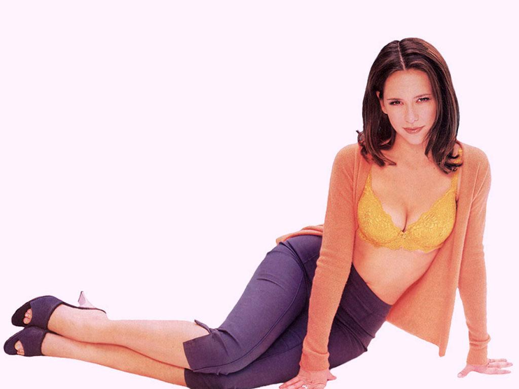 http://4.bp.blogspot.com/_bKlP91-VAMs/SxAgpnDbfaI/AAAAAAAADIM/RcbE7ibCyT8/s1600/Jennifer+Love+Hewitt+Hot+Sexy+Actress++Ghost+whisperer+TV+Show++Nice+boobs+Bikini+Cleavage+Nude+(30).jpg