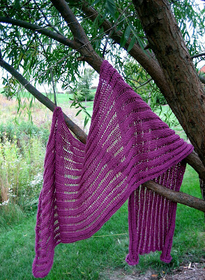 Preview This Free Knitting Pattern: Dummy Clap Shawl