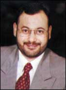 أحمد منصور صحفي يحترم