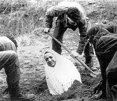 stoning1 Foto senza velo, nuove frustate per Sakineh, già condannata alla lapidazione