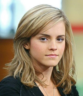 emma watson casual style. Casual blonde shoulder length
