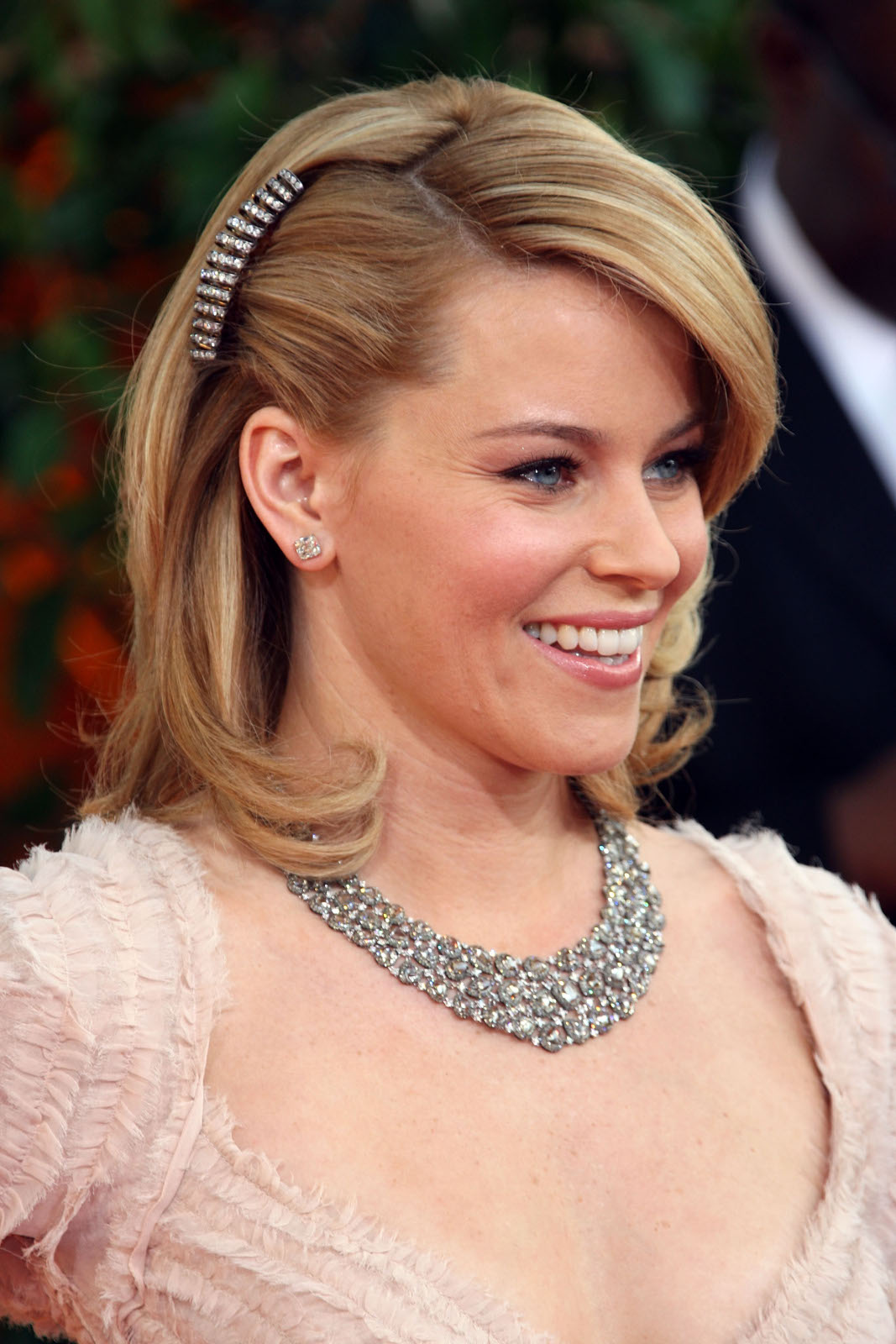 Banks Haircut : Elizabeth Banks Hairstyles - Haircuts And Hairstyles - Elizabeth Banks ...