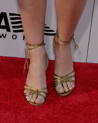 Hollywood in feets claire danes feet claire danes is a fabulous celebrity actress who is probably best known for her role as angela chase in the television series my so called life voltagebd Choice Image