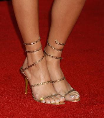 vannesa hudgens feet