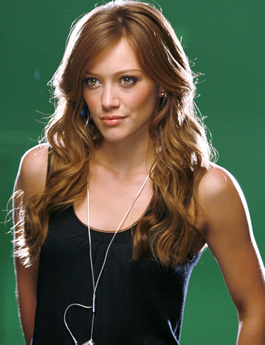 Hilary Duff Hairstyles on Hilary Duff Amp 8212 Multi Tasker 300 X 390