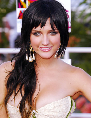 john freida hairstyles. Ashlee Simpson dark black hairstyle.