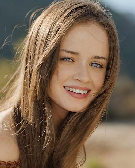 Alexis Bledel sexy actress