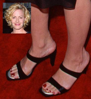 Shue feet elisabeth Elisabeth Shue's