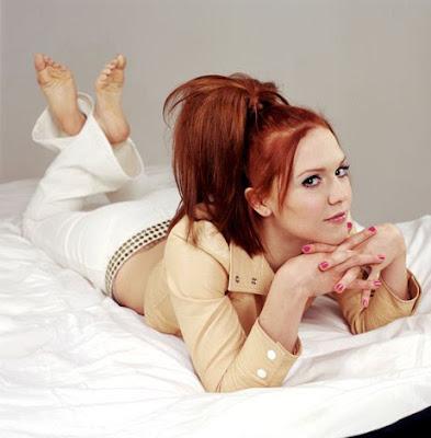 Dominique Swain Feet