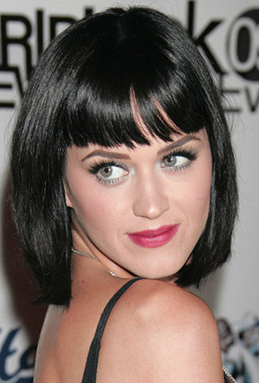 Ah yes, one of our personal favorite hairstyles of Ms. Perry, the short