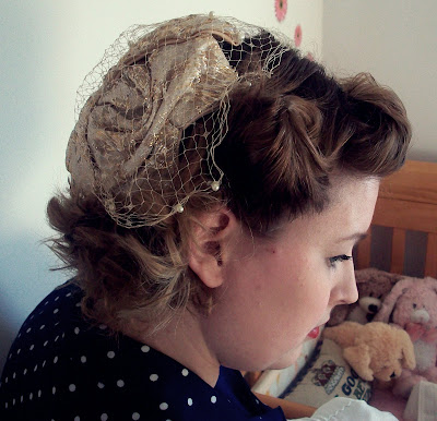 1940s pin curls tutorial and polka dot dress