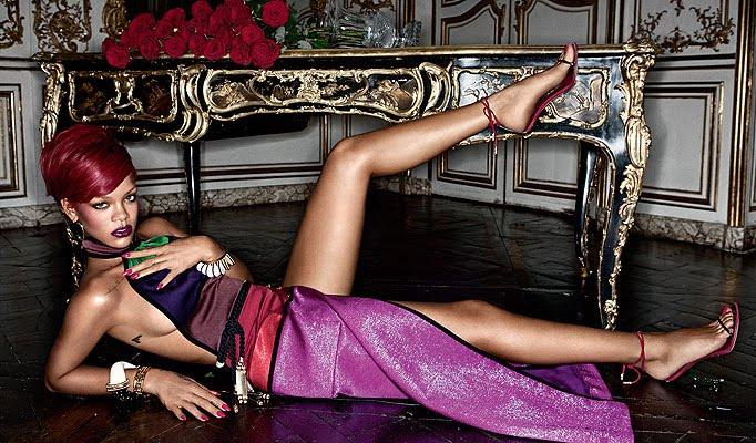 http://4.bp.blogspot.com/_bUPnRwe8UGU/TPcaSKUC7bI/AAAAAAAAEs0/ceYDg0l3y0s/s1600/Rihanna-01-682_1175332a.bmp