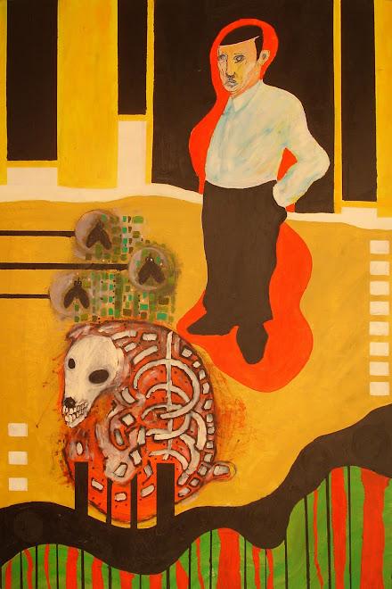 Erensto Efe paseando un perro muerto