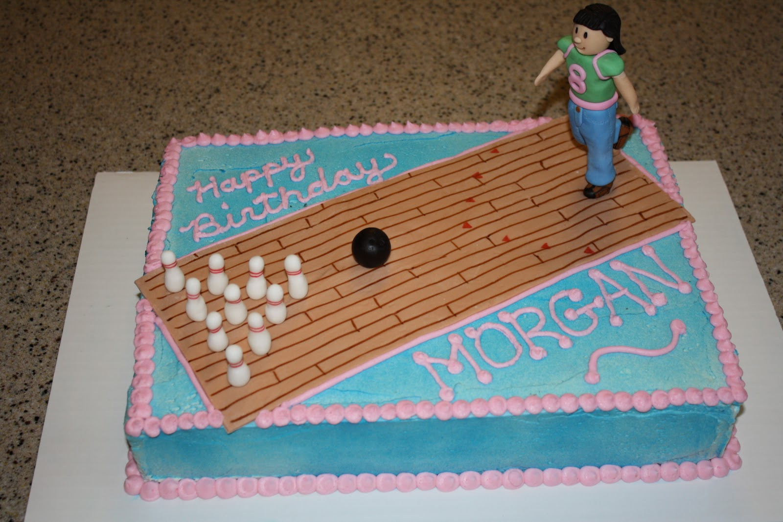 Cake Decor Alley : Dazzle Cakes: Bowling Cake