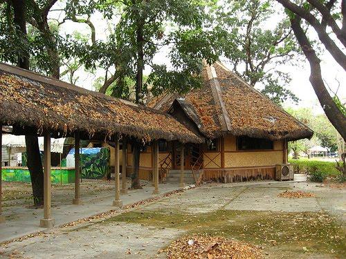 Bahay Kubo