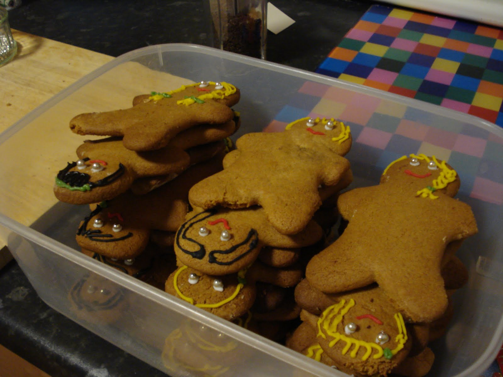 [All+the+gingerbread+guides.JPG]