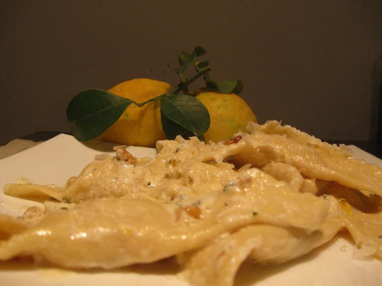Ravioli alla zucca con scorze di cedro e croccante di noci