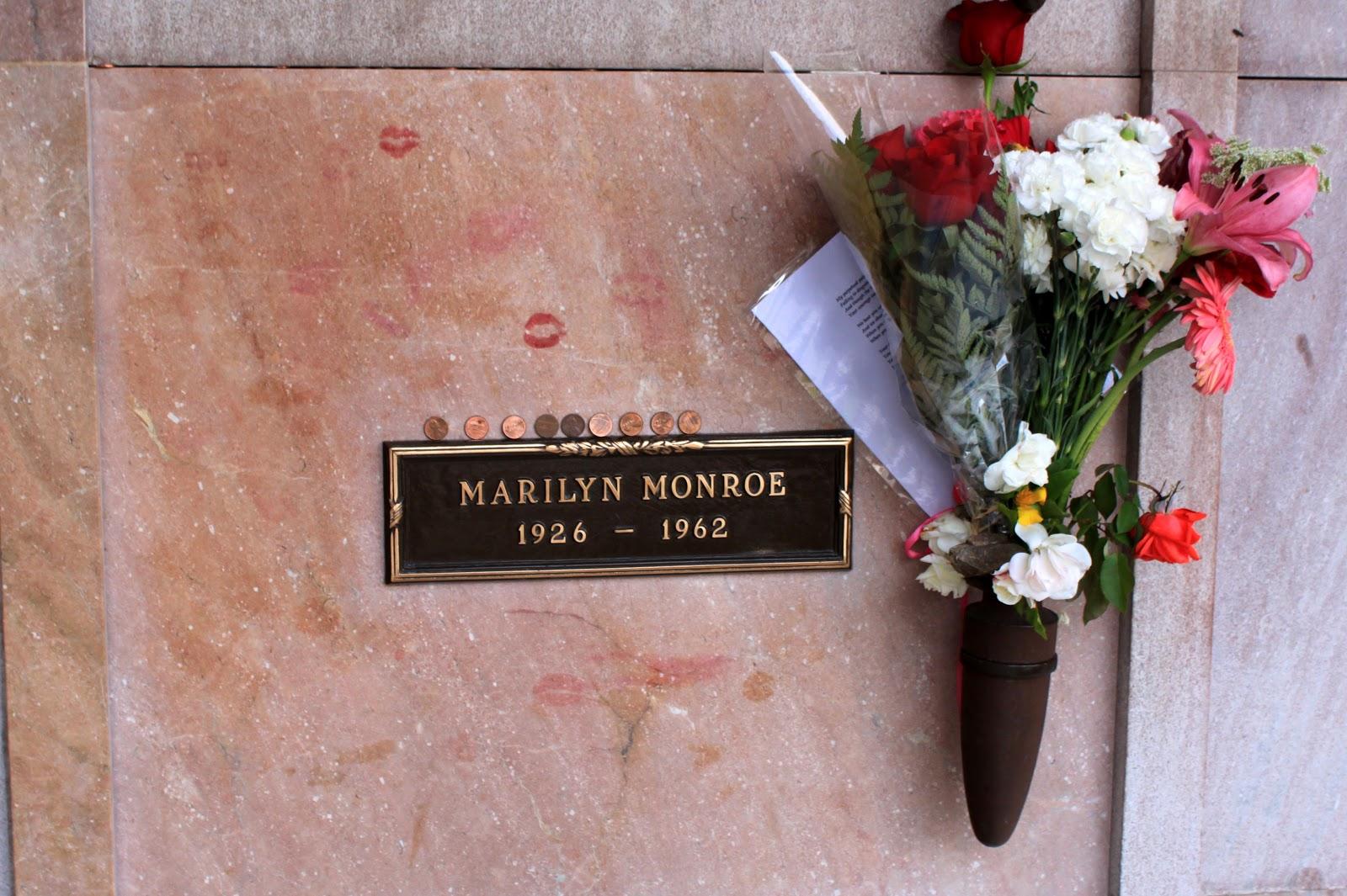 http://4.bp.blogspot.com/_b_u832Cfidk/TJ-gGH7aW_I/AAAAAAAADqI/ZYAjI-SZMdg/s1600/Marilyn_Monroe.jpg