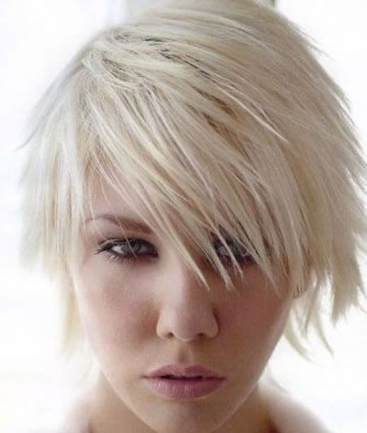Cute Blonde emo hairstyle: short than shoulder