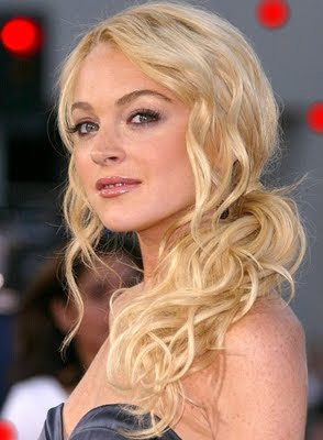 Lindsay Lohan 2010 Blonde Hair Color Ideas