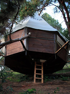 What 39 S Up Trouvaillesdujour Treehouses A New Style Of
