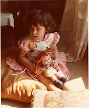 Essa menininha sou eu antes de uma das metamorfoses!