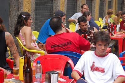 Daniel Frangiotti (de costas), Milena Carmo, Arthur Fabela e Bruno Tirone, rua do Ouvidor, 08 de dezembro de 2007