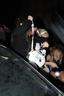 Britney Spears upskirt, no pants