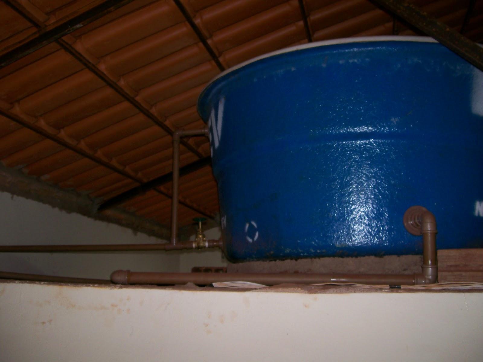 Caixa d''agua interna e sua instalações atuais. #063060 1600 1200