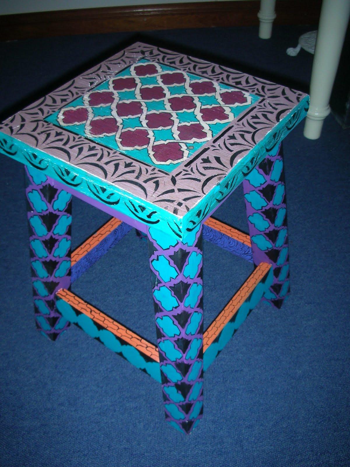 Vintouch muebles reciclados pintados a mano banqueta for Muebles pintados a mano