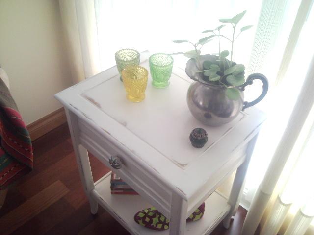 Vintouch muebles reciclados pintados a mano mesa de for Muebles pintados a mano fotos