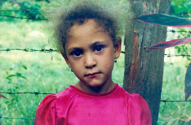La niña de la comunidad de Blanco en Bonao.