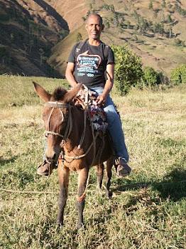 A caballo en el Tetero Azua,