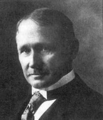 """Frederick W. Taylor - O criador do """"Estudo dos Tempos e Movimentos"""""""